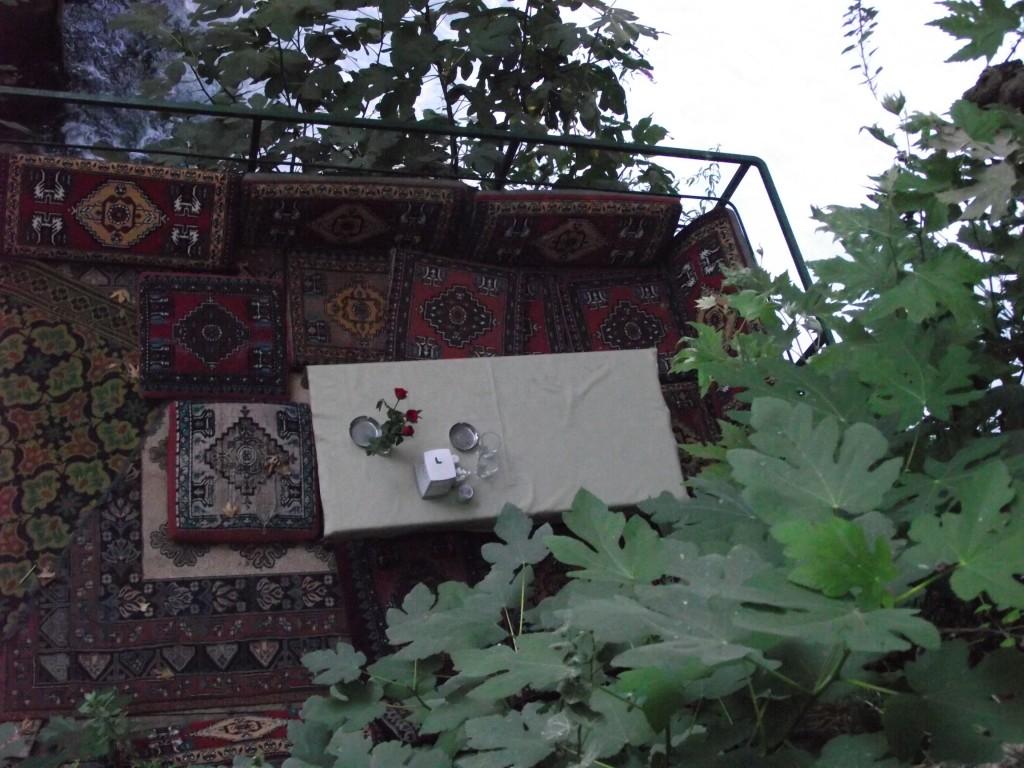 sukromny-stol-uprostred-vodopadov1