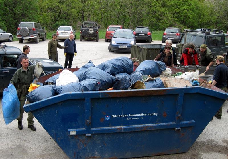 Jarné čistenie Zobora 2010 (1)