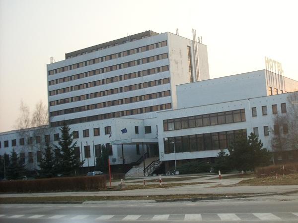 Hotel Agroinštitút vybavený televíziou, sprchou a toaletou na každej izbe