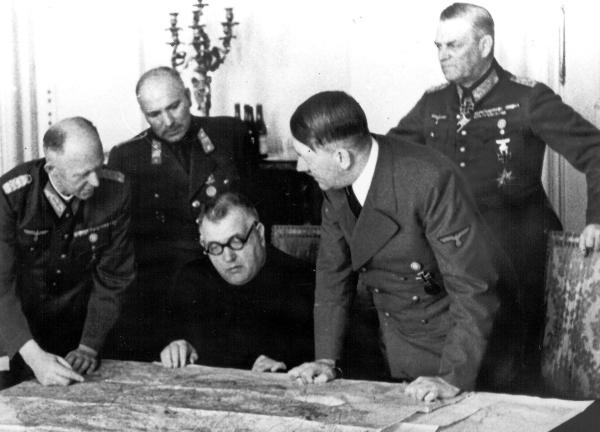 Tiso a Hitler. Politika alebo priateľstvo?