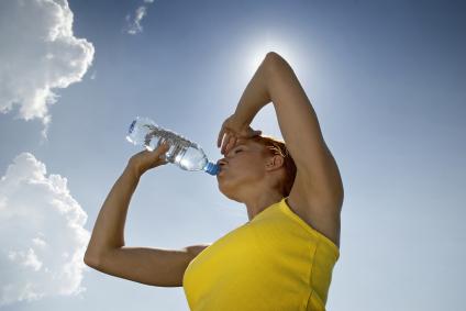 Nezabúdajte dodržiavať pitný režim!