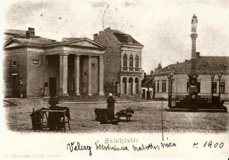 Divadlo na námestí