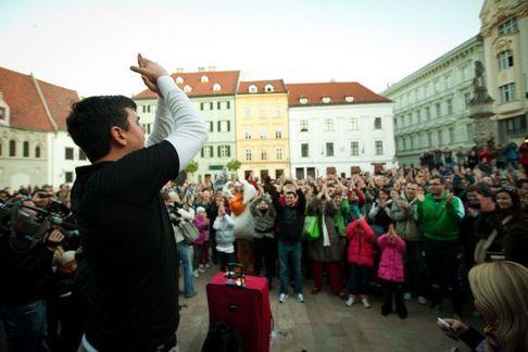 Matt Harding roztancoval i Bratislavu
