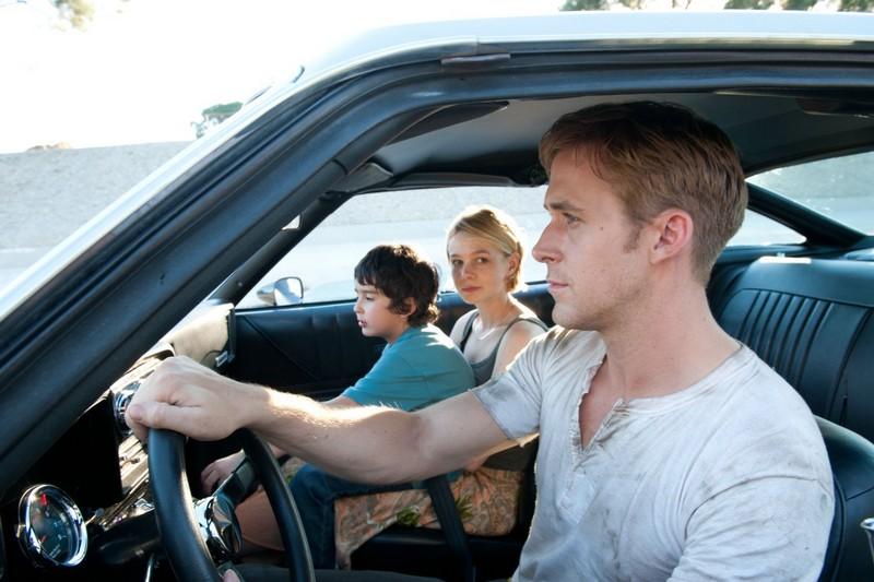 Ryan Gosling a Carey Mulligan vo filme Drive