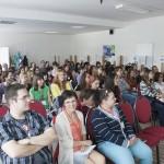 Účastníci konferencie počas prednášky