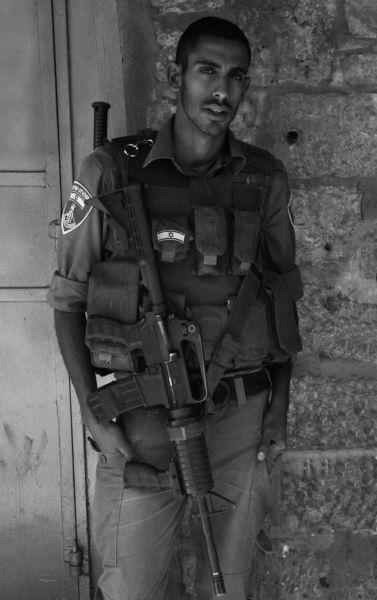 Izrael je bežným cieľom teroristických útokov, preto je tu veľmi prísna ochrana