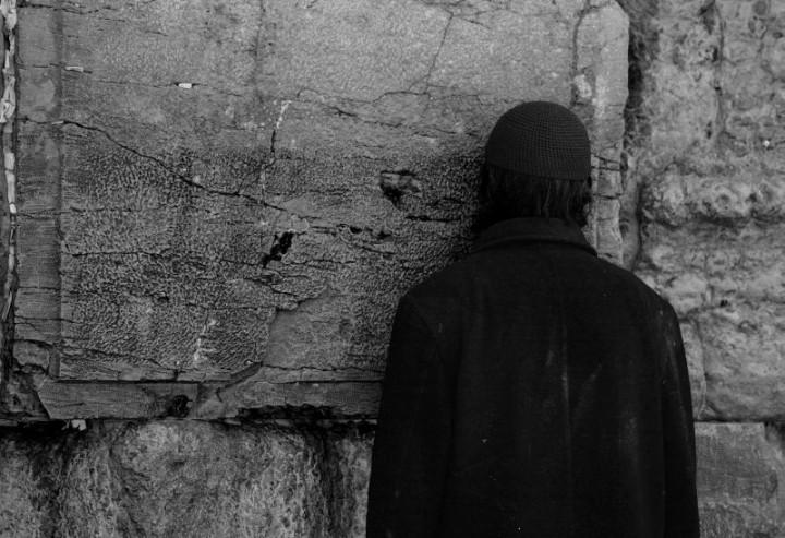 Múr nárekov sa stal miestom pre modlitby tisícov židov