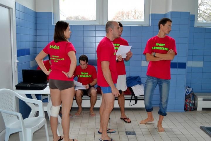 Organizačný tím plaveckej súťaže