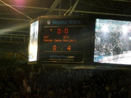 Definitívny výsledok hokejového zápasu UKF a SPU