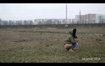 Záber z videa zachytávajúceho proces skrášľovania