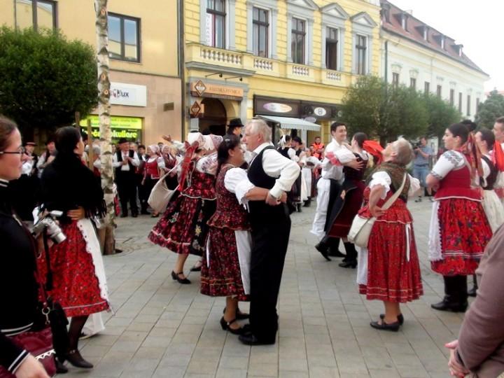 Stavanie mája Nitra 2014 (14)