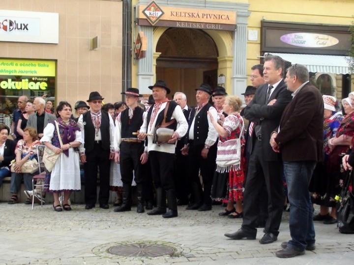 Stavanie mája Nitra 2014 (6)