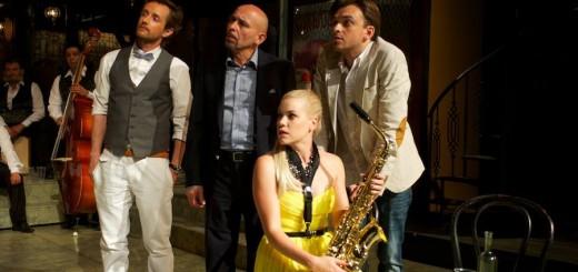 Juraj Hrčka (vľavo) v predstavení Dievča bez vena