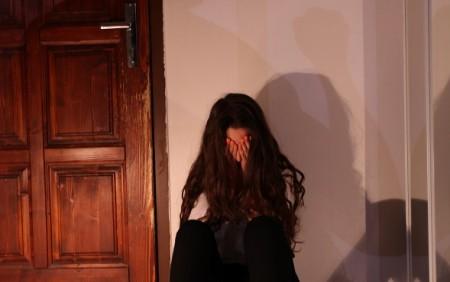 Podľa prieskumu až 67% žien nikdy nenahlásilo, že boli týrané