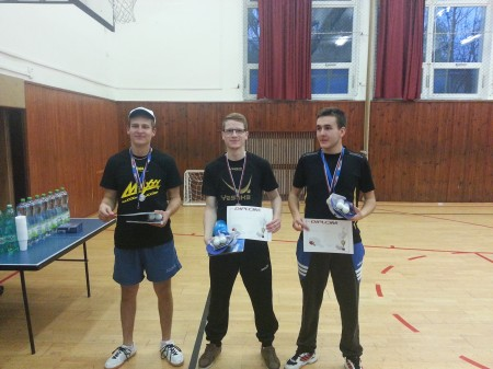Traja medailisti