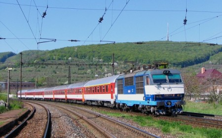 vlak-450x281