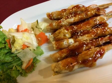 Thajská kuchyňa - pikantná, rozmanitá, zdravá a jej servírovanie často dych vyrážajúce.