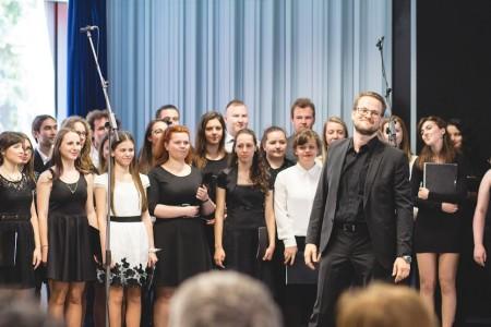 Akademický spevácky zbor predviedol bravúrne vystúpenie, ktoré diváci ocenili veľkým aplausom