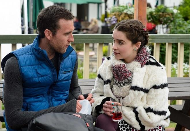 Louisa a Patrick pri jednom z rozhovorov o tom, čo vlastne chcú dosiahnuť