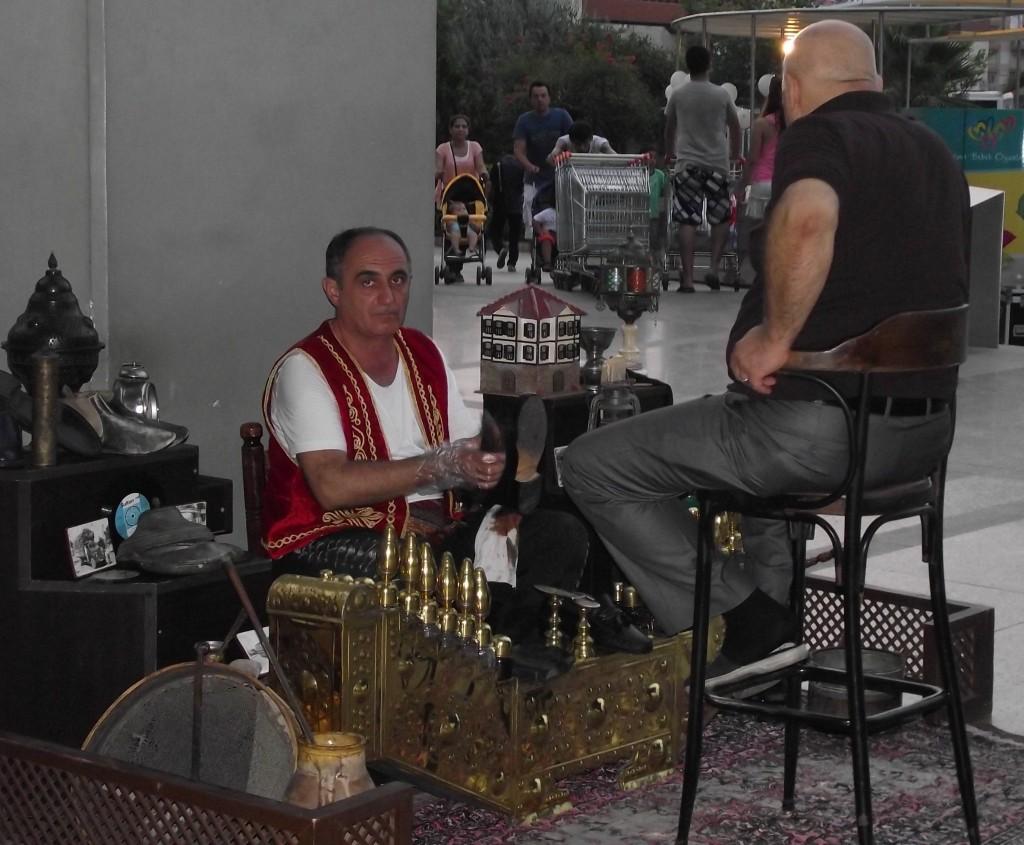 cistic-topanok-s-plnou-vybavou-v-tradicnej-uniforme