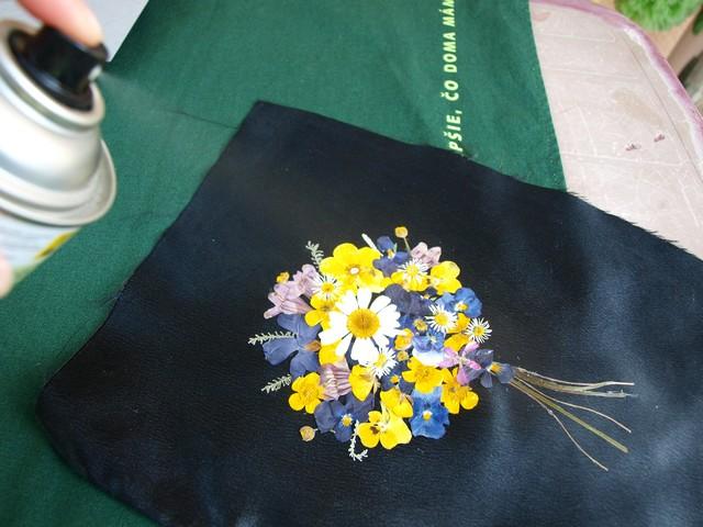 7 Kytica z lisovaných kvetov (Petra Čergeťová)