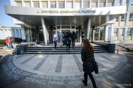 Tr. A. Hlinku hlavná budova UKF
