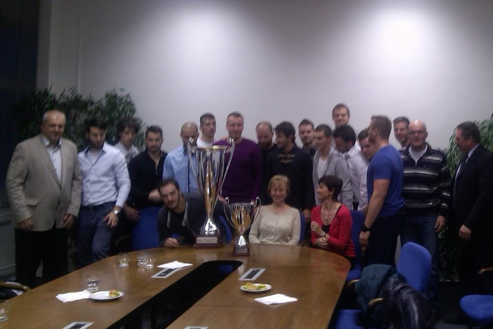 Hokejisti UKF na návšteve u rektora