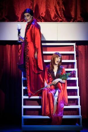 Sára v predstavení Ples upírov podaní Márie Lechmanovej