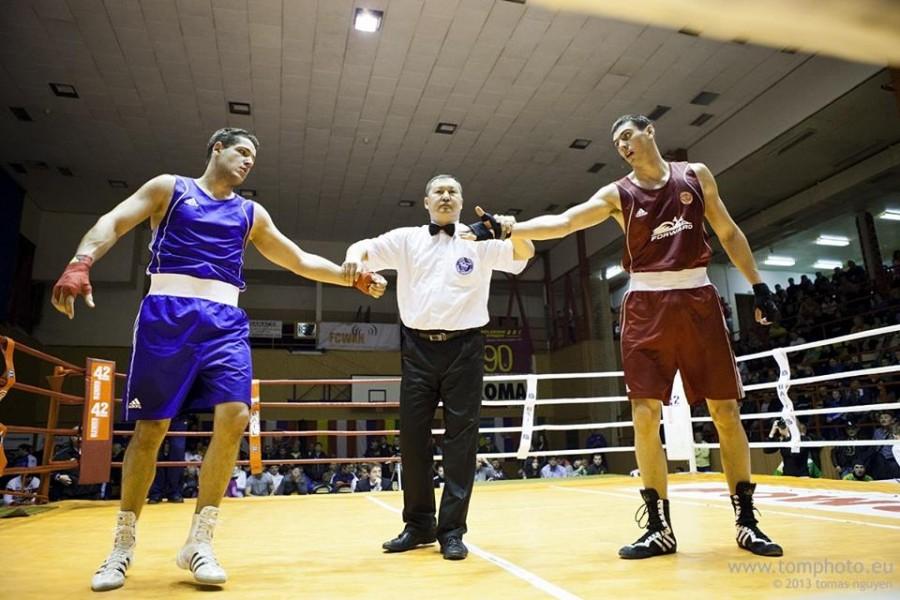 Sandro Dirnfeld (vľavo) tvrdí, že box robí z chlapcov mužov