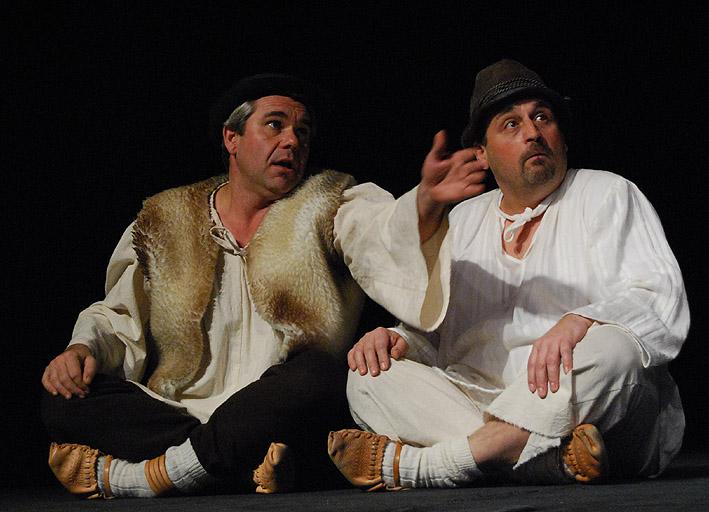Roman Valkovič v predstavení Slovenský Betlehem (vľavo)