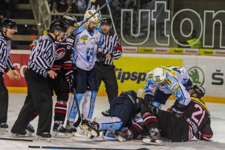 Emócie v zápase HK Nitra s HC 05 Banská Bystrica