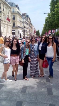 Študentky UKF na Champs-Élysées