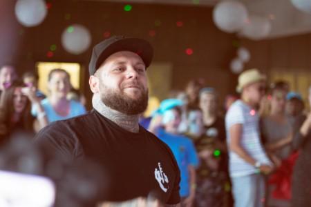 Súkromný koncert v tábore spravil rapper Kali spolu s Dj-om Petrom Pannom.