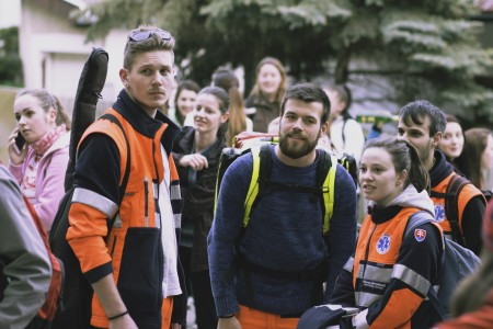 O bezpečnosť študentov bolo postarané vďaka študentom z Fakulty sociálnych vied a zdravotníctva FF UKF.