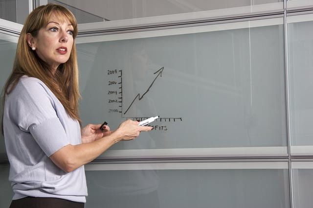 Tisíce učiteľov žiadajú lepšie podmienky. Podarí sa im zmeniť niečo v školstve?