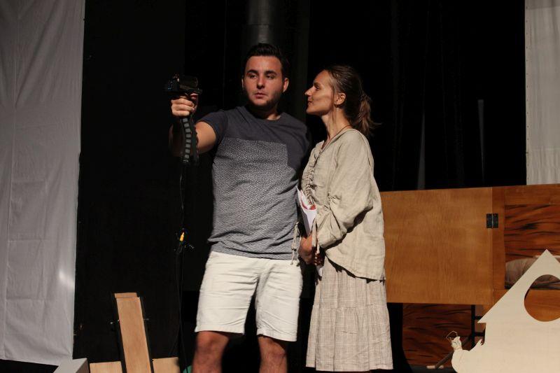 978cc1916 So septembrom prichádza do divadiel aj nová sezóna, ktorá prináša viacero  noviniek a titulov. O novej divadelnej sezóne v Starom divadle Karola  Spišáka sme ...