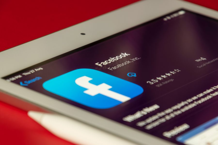 facebook telefón unsplash